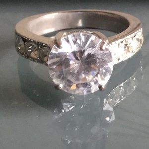 🎊CZ Engagement Ring🎊